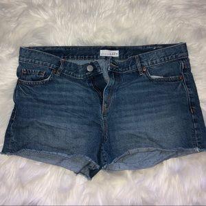 Ann Taylor Loft Denim/Jean Shorts. Size 10/30.